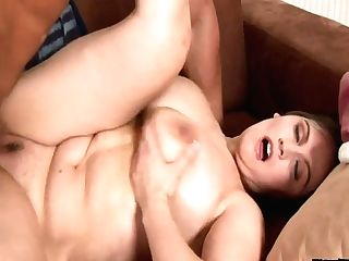 Salacious Bitch With Jaw Pulling Down Assets Olarita Gets Laid