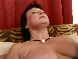 Youthfull Sonnies Sharing Matures Bigtit Mom