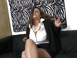 Gorgeous Mommy Gets Jism On Tits After Bang-out