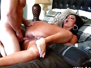Vannah Sterling In Explosive Fucking For Vannah Sterling And Her Big Donk - Upox