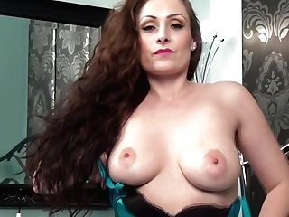 Sophia Delane In Bedroom Stunner - Twistysnetwork
