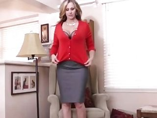 World Famous Cougar, Julia Ann In A Sweater & Fucks Herself!