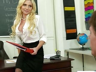 Graduate Student Fucks Jaw Ripping Off Youthfull Tutor Christie Stevens