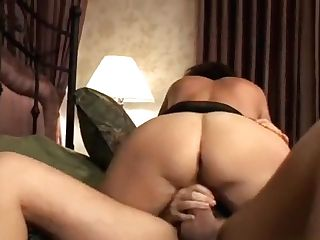 Chubby Cougar Entertains Her Daughter-in-law's Friend With Mouth And Twat