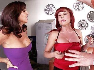 Astonishing Blowlerina Vanessa Videl Luvs Having A Threesome