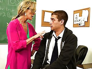 Bad Man Xander Corvus Pleases His Saucy Towheaded Mom Brandi Love With Pussy Eating In School