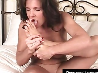 """""""texas Cougar Deauxma Gets Naked & Shows Off Her Feet & Feet"""""""